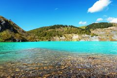 Λίμνη που δημιουργείται έπειτα από το πνιμμένο ανθρακωρυχείο Στοκ Εικόνες