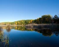 λίμνη πτώσης Στοκ εικόνες με δικαίωμα ελεύθερης χρήσης