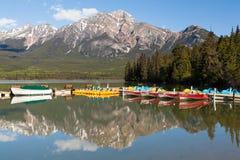 Λίμνη πυραμίδων, Καναδάς στοκ φωτογραφία με δικαίωμα ελεύθερης χρήσης