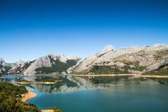 Λίμνη σε Riaño, Ισπανία Στοκ Εικόνες