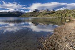 Λίμνη σολομών μια ηλιόλουστη ημέρα Στοκ φωτογραφία με δικαίωμα ελεύθερης χρήσης