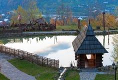 λίμνη σπιτιών κοντά μικρό σε ξ Στοκ Εικόνες