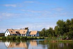 λίμνη σπιτιών Στοκ Φωτογραφίες