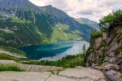 Λίμνη στα βουνά Στοκ εικόνες με δικαίωμα ελεύθερης χρήσης