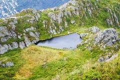 Λίμνη στα βουνά Στοκ Φωτογραφίες