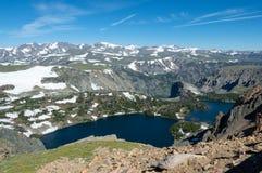 Λίμνη στα βουνά Beartooth στοκ εικόνες