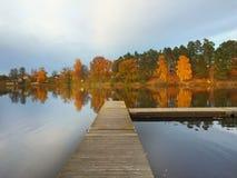 Λίμνη στη Σουηδία με Στοκ Εικόνα