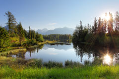 Λίμνη στο βουνό της Σλοβακίας, pleso Strbske Στοκ Φωτογραφία