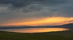 Λίμνη στο ηλιοβασίλεμα Στοκ φωτογραφία με δικαίωμα ελεύθερης χρήσης