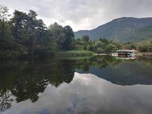 Λίμνη στο πάρκο Rila, Dupnitsa, Βουλγαρία στοκ φωτογραφία με δικαίωμα ελεύθερης χρήσης