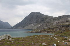 Λίμνη στο πέρασμα του βουνού Νορβηγία Στοκ φωτογραφία με δικαίωμα ελεύθερης χρήσης
