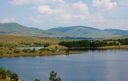 Λίμνη στο υποστήριγμα Zlatibor στοκ εικόνα