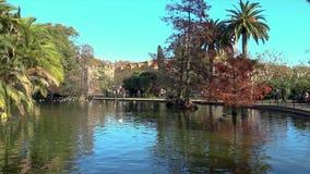 Λίμνη της Νίκαιας στο κέντρο της Βαρκελώνης στην Ισπανία απόθεμα βίντεο