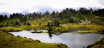 Λίμνη του λιμένα Biehl στα Πυρηναία στοκ φωτογραφία