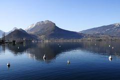 Λίμνη του Annecy σε Talloires, Γαλλία Στοκ Φωτογραφία