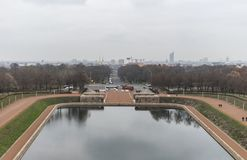 Λίμνη των δακρυ'ων μπροστά από το μνημείο στη μάχη των εθνών στη Λειψία στοκ φωτογραφίες με δικαίωμα ελεύθερης χρήσης