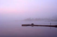 Λίμνη υδρονέφωσης πρωινού στοκ φωτογραφίες