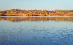 Λίμνη 10 χρωμάτων πτώσης Στοκ Εικόνα