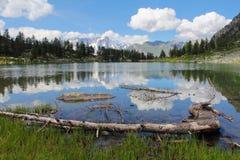 Λίμνη Arpy και τοπίο βουνών Στοκ Εικόνες