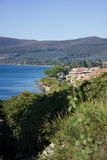 Λίμνη Bracciano στην Ιταλία στοκ φωτογραφία με δικαίωμα ελεύθερης χρήσης