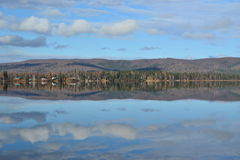 Λίμνη Brich στην εθνική οδό 3 της Αλάσκας Στοκ Εικόνα