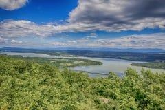 Λίμνη Champlain από την περιφρόνηση υποστηριγμάτων στοκ εικόνα