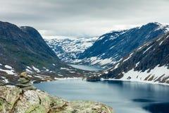 Λίμνη Djupvatnet, Νορβηγία Στοκ φωτογραφία με δικαίωμα ελεύθερης χρήσης