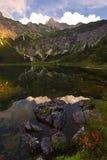 Λίμνη Gaisalpsee Unterer στο ηλιοβασίλεμα με τη ζωηρόχρωμη βλάστηση από Oberstdorf, Βαυαρία Γερμανία Στοκ Φωτογραφίες