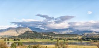 Λίμνη Glencairn κοντά σε Himeville σε kwazulu-γενέθλιο στοκ εικόνες