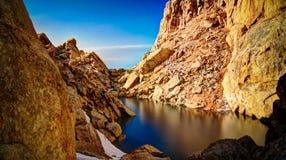Λίμνη Ised schalbus-Dag στο βουνό, Νταγκεστάν, Καύκασος Ρωσία Στοκ φωτογραφίες με δικαίωμα ελεύθερης χρήσης