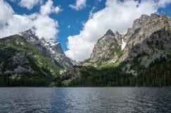 Λίμνη Jenny και το Tetons στοκ εικόνες