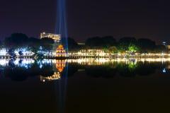 Λίμνη Kiem Hoan τη νύχτα στο Ανόι Βιετνάμ Στοκ εικόνες με δικαίωμα ελεύθερης χρήσης