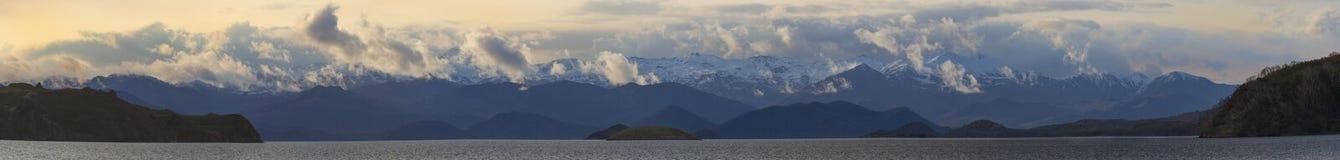 Λίμνη Kronotsky πανοράματος Στοκ Εικόνα