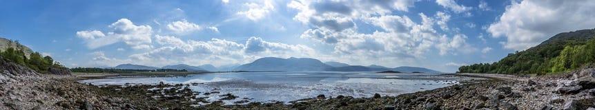 Λίμνη Linnhe στο σημείο Sallachan με την άποψη προς Onich και Glencoe Στοκ φωτογραφία με δικαίωμα ελεύθερης χρήσης