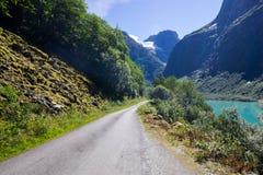 Λίμνη Lovatnet στη Νορβηγία στην Ευρώπη Στοκ εικόνα με δικαίωμα ελεύθερης χρήσης