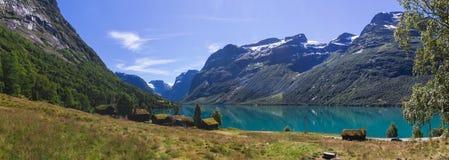 Λίμνη Lovatnet στη Νορβηγία στην Ευρώπη Στοκ Εικόνες