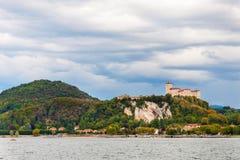 Λίμνη maggiore Ιταλία του Castle Angera Στοκ εικόνα με δικαίωμα ελεύθερης χρήσης