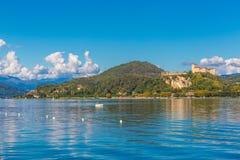 Λίμνη maggiore Λομβαρδία, Ιταλία του Castle Angera Στοκ εικόνες με δικαίωμα ελεύθερης χρήσης