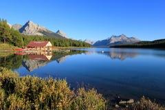 Λίμνη Maligne στο εθνικό πάρκο ιασπίδων, Αλμπέρτα, Καναδάς Στοκ φωτογραφία με δικαίωμα ελεύθερης χρήσης