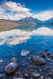 Λίμνη McDonald, εθνικό πάρκο παγετώνων, Μοντάνα, ΗΠΑ Στοκ εικόνα με δικαίωμα ελεύθερης χρήσης
