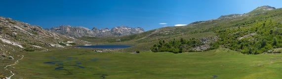 Λίμνη Moutain στη Γαλλία Στοκ Εικόνα