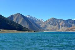 Λίμνη Pangong σε Ladakh, Ινδία Στοκ Φωτογραφία