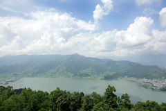 Λίμνη Phewa στην κοιλάδα Pokhara Στοκ εικόνες με δικαίωμα ελεύθερης χρήσης