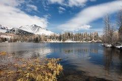 Λίμνη Pleso Strbske το χειμώνα σε υψηλό Tatras, Στοκ Εικόνα