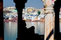 Λίμνη Pushkar κατά την διάρκεια της έκθεσης καμηλών Pushkar, Rajasthan, Ινδία Στοκ φωτογραφίες με δικαίωμα ελεύθερης χρήσης