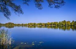 Λίμνη Staffelsee κοντά σε Murnau, Βαυαρία, Γερμανία στοκ εικόνα