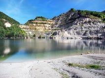 Λίμνη Sutovo στη Σλοβακία κατά τη διάρκεια του φθινοπώρου στοκ εικόνες