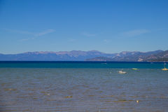 Λίμνη Tahoe, οροσειρά βουνά Καλιφόρνια της Νεβάδας Στοκ εικόνες με δικαίωμα ελεύθερης χρήσης