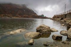 Λίμνη Tsomgo Changu λιμνών στο ανατολικό Sikkim, Ινδία Στοκ Εικόνες