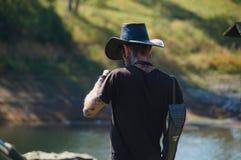 Λίμνη Vlasina, Σερβίας - 5 Αυγούστου, 2018: Τύπος με το καπέλο και το tatoo statson στοκ εικόνες